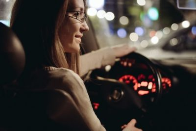 Finding the Right Eyewear for Nighttime Driving